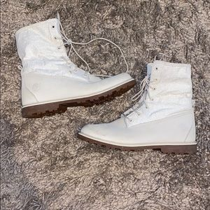 Timberland cream combat boots! Girls 5.5!